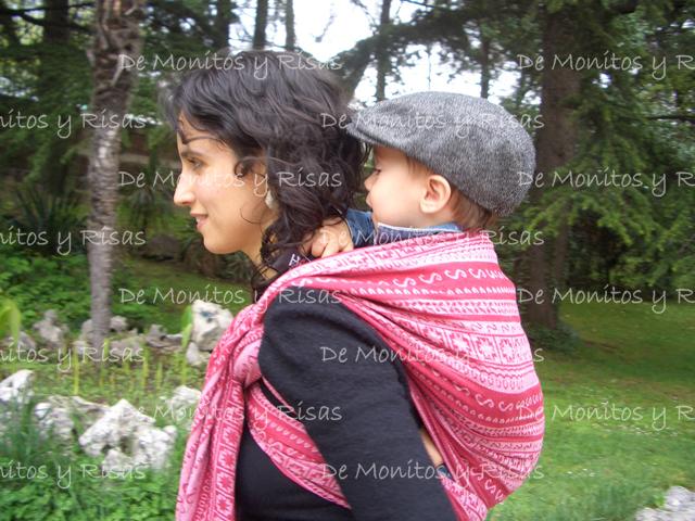 Marcos, de 14 meses, de paseo en un Ellevill Zara Candy