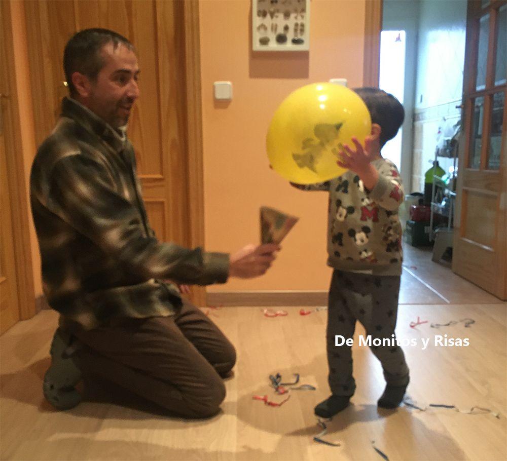 Jugando con globos.